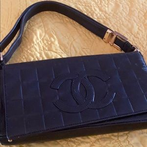 Black Chanel bad